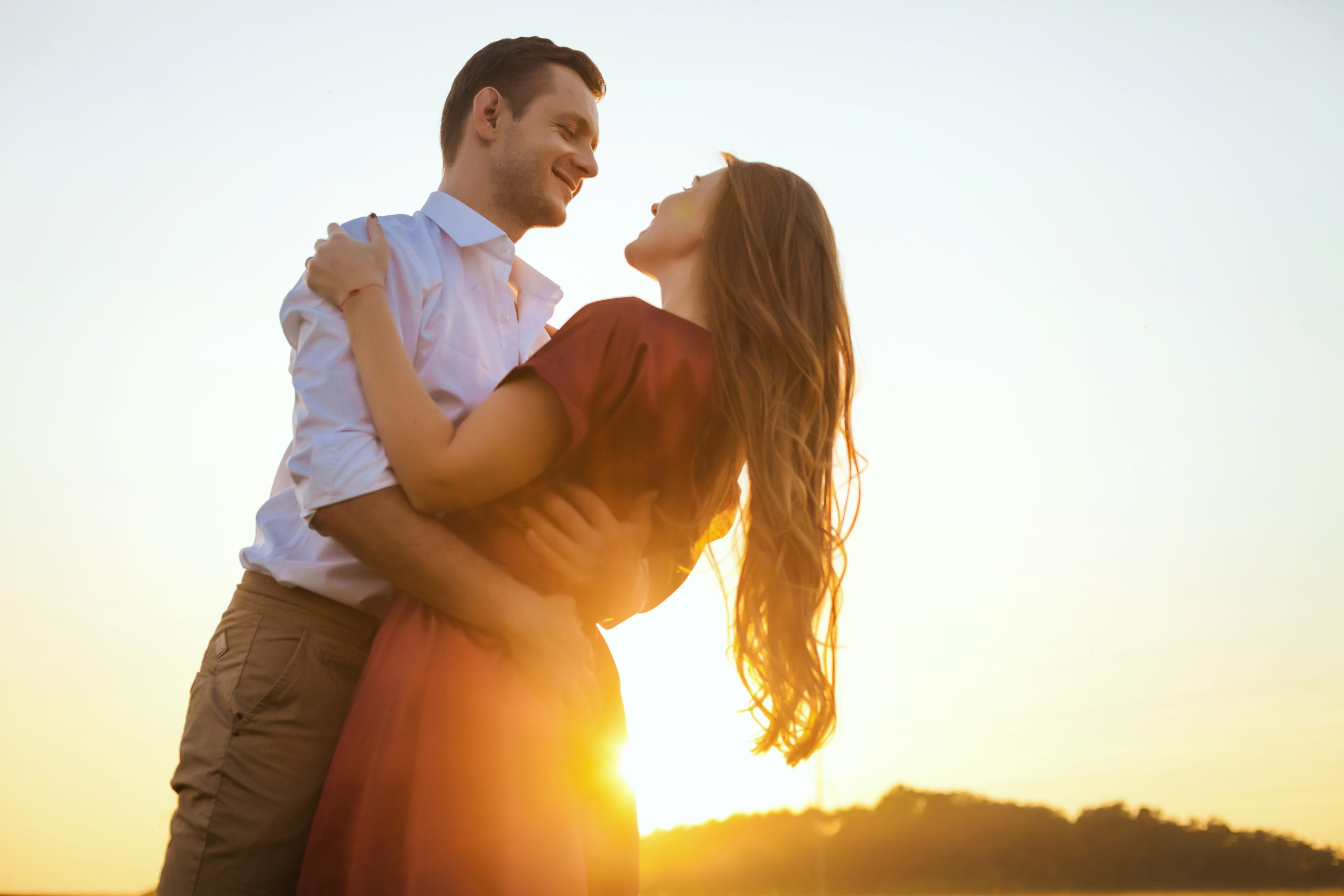Lovers,Couple,In,Love,Having,Fun,Dating,On,Beach,Portrait.