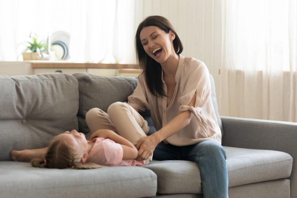 画像に alt 属性が指定されていません。ファイル名: overjoyed-young-mother-play-cute-little-1681153291-1024x683.jpg