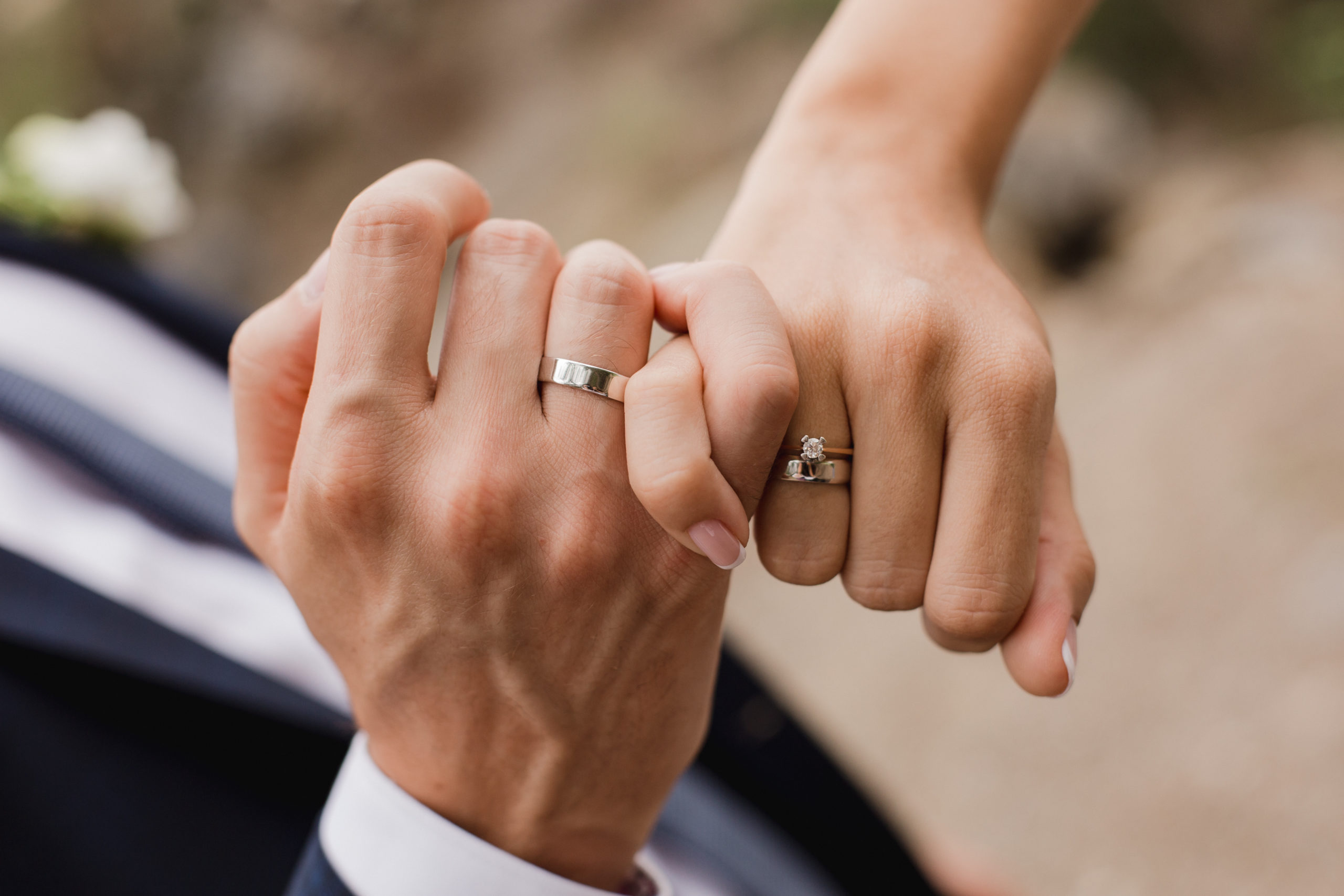 picture-man-woman-wedding-ring-married-1312254920