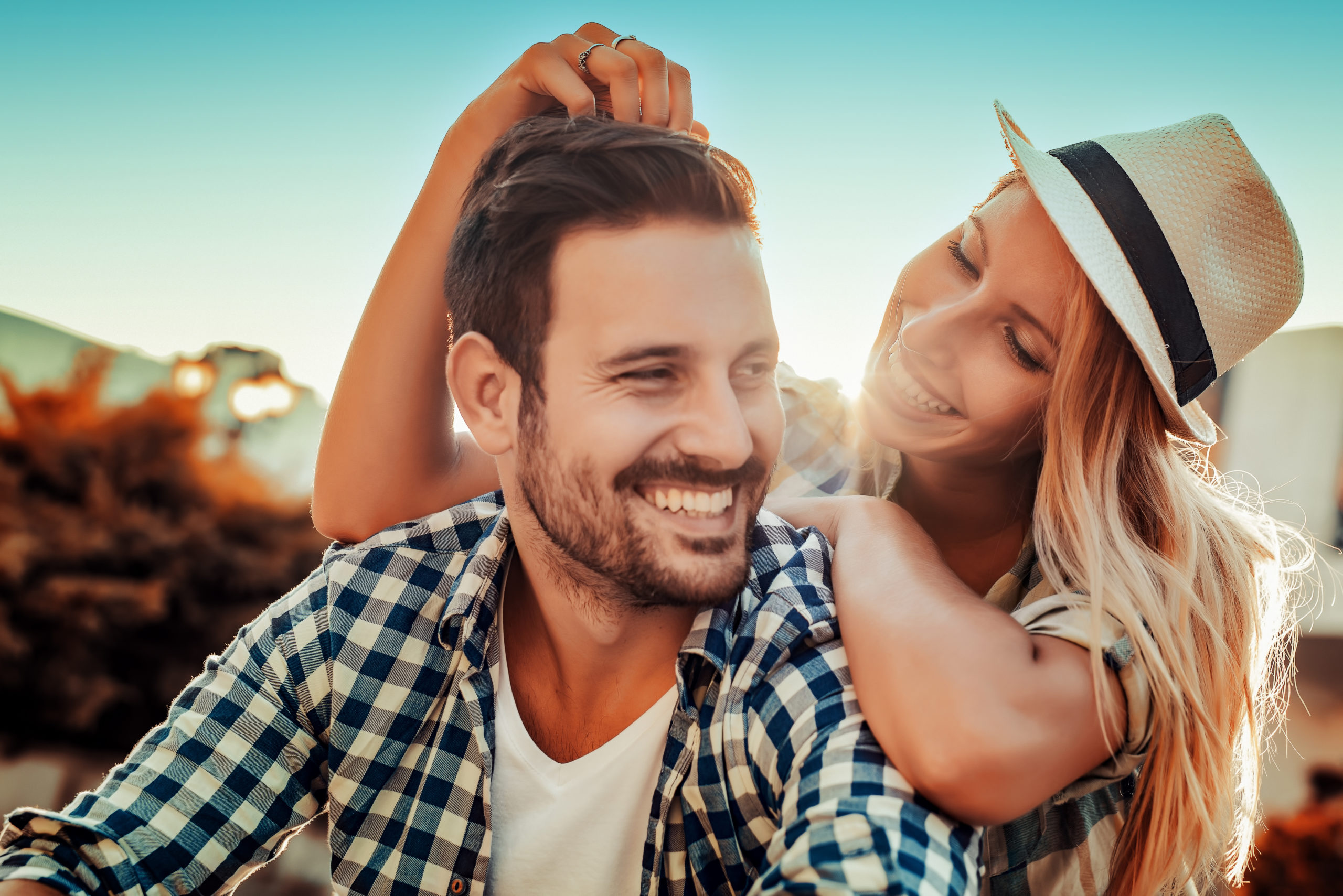 Smiling,Couple,In,Love,Outdoors