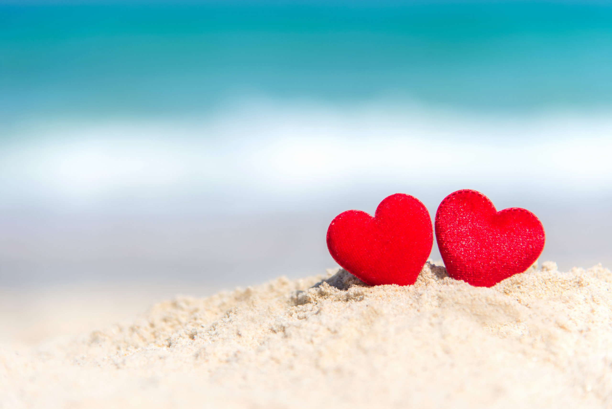 valentine-marry-concept-two-red-hearts-1015375735