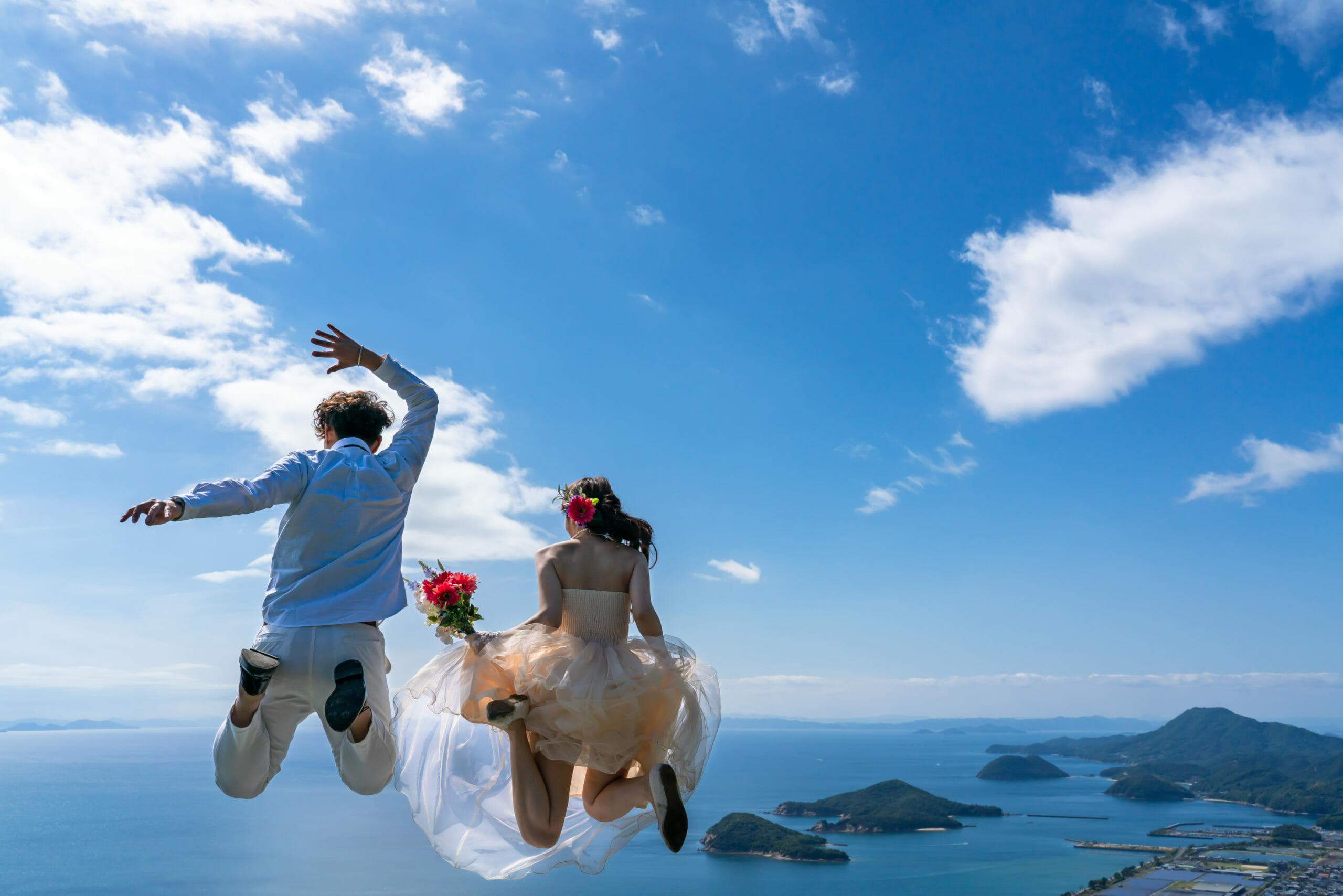 wedding-couple-jump-1304932333